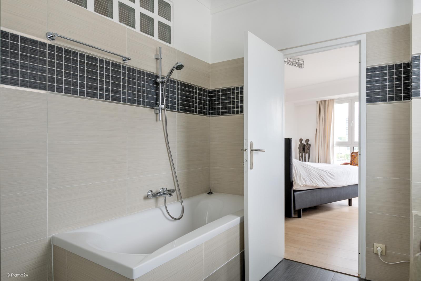 Uitzonderlijk appartement (+/- 250m²) met panoramische uitzichten te Antwerpen! afbeelding 17