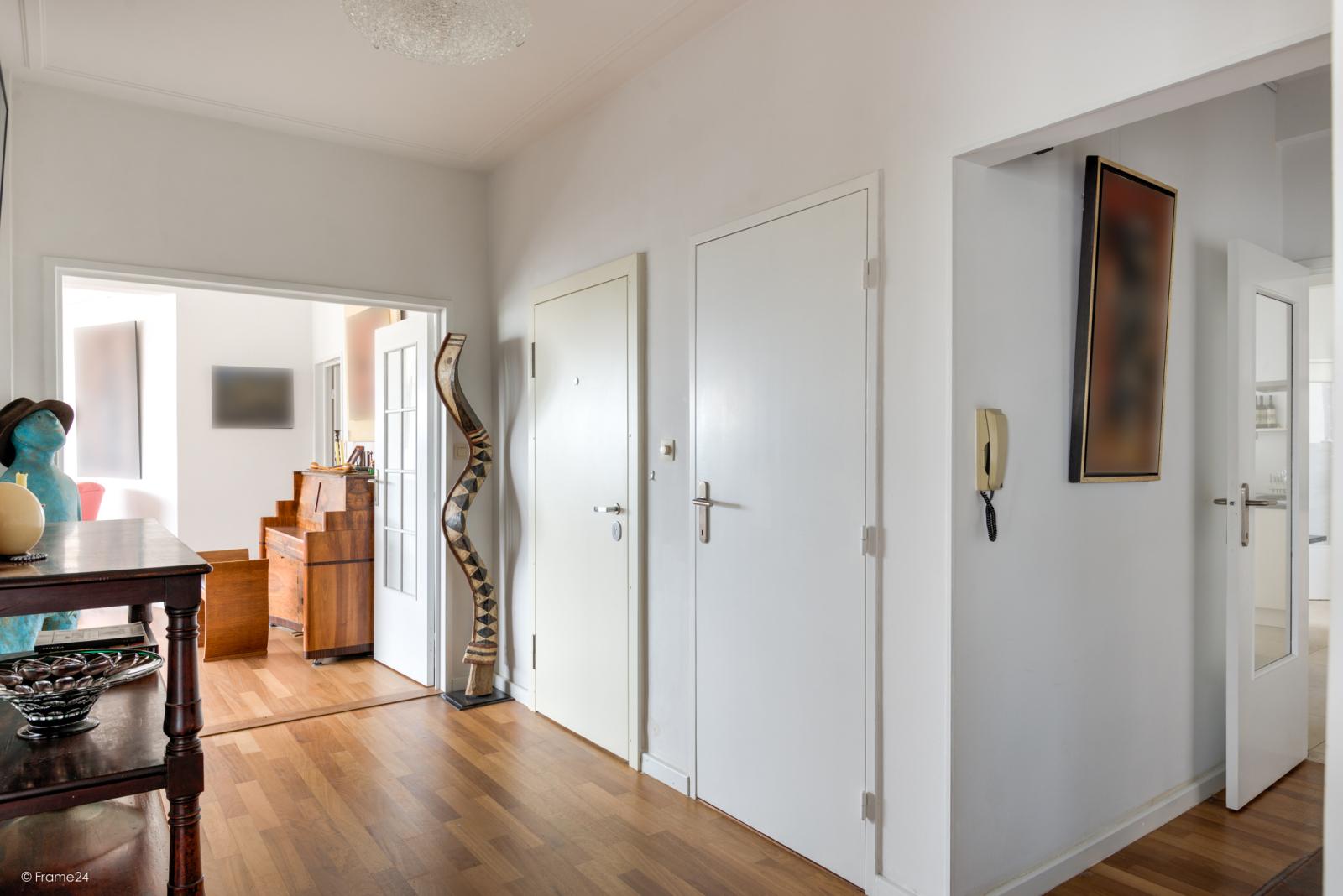 Uitzonderlijk appartement (+/- 250m²) met panoramische uitzichten te Antwerpen! afbeelding 10