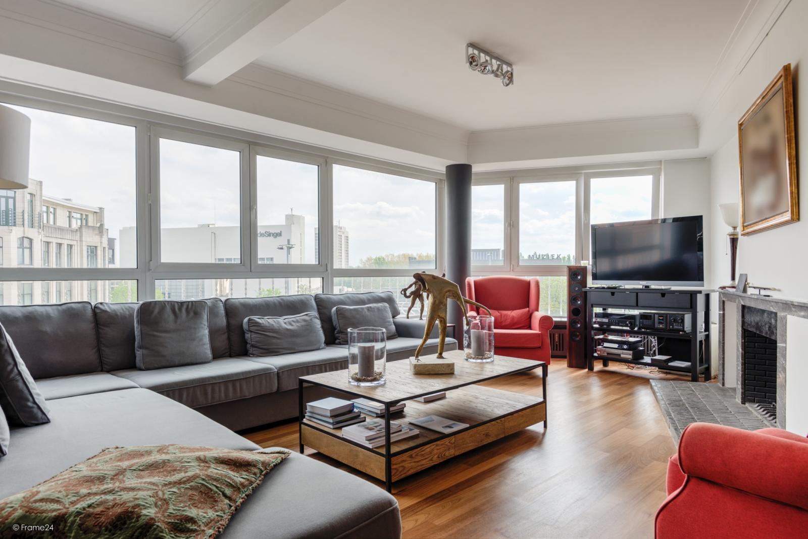 Uitzonderlijk appartement (+/- 250m²) met panoramische uitzichten te Antwerpen! afbeelding 6