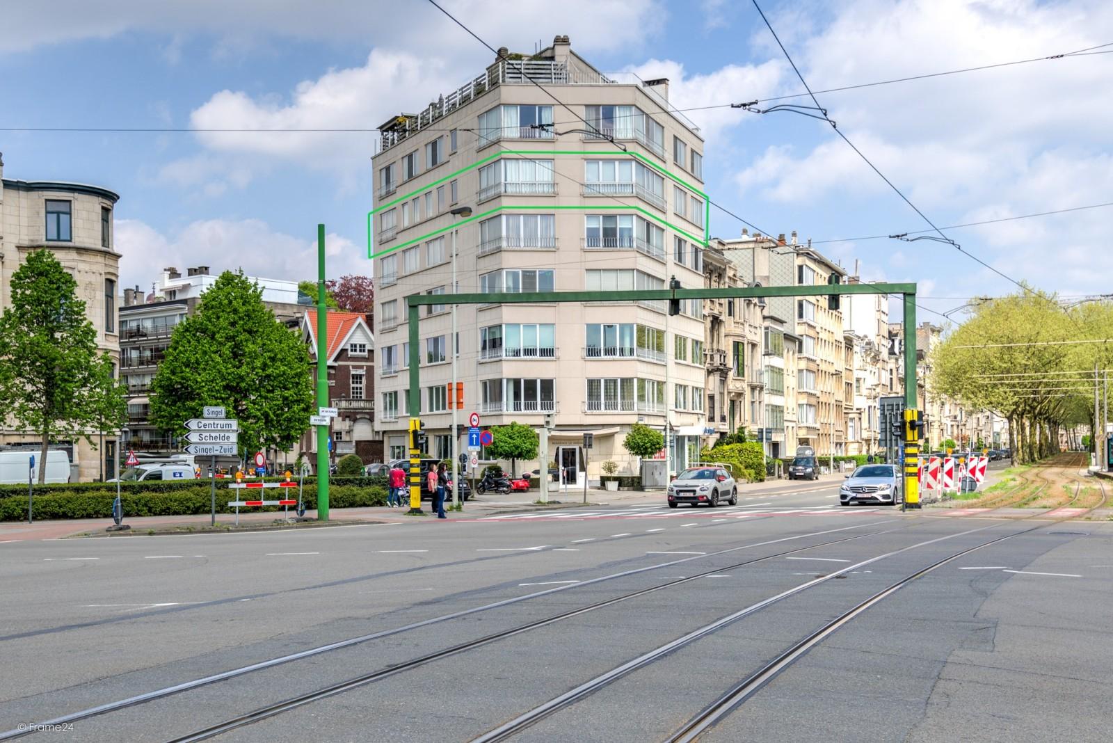 Uitzonderlijk appartement (+/- 250m²) met panoramische uitzichten te Antwerpen! afbeelding 1