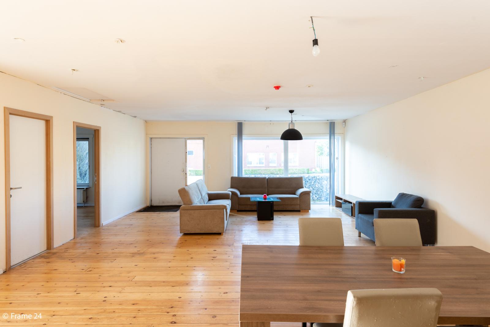 Winkelruimte met woonst op commerciële toplocatie te Zandhoven! afbeelding 16