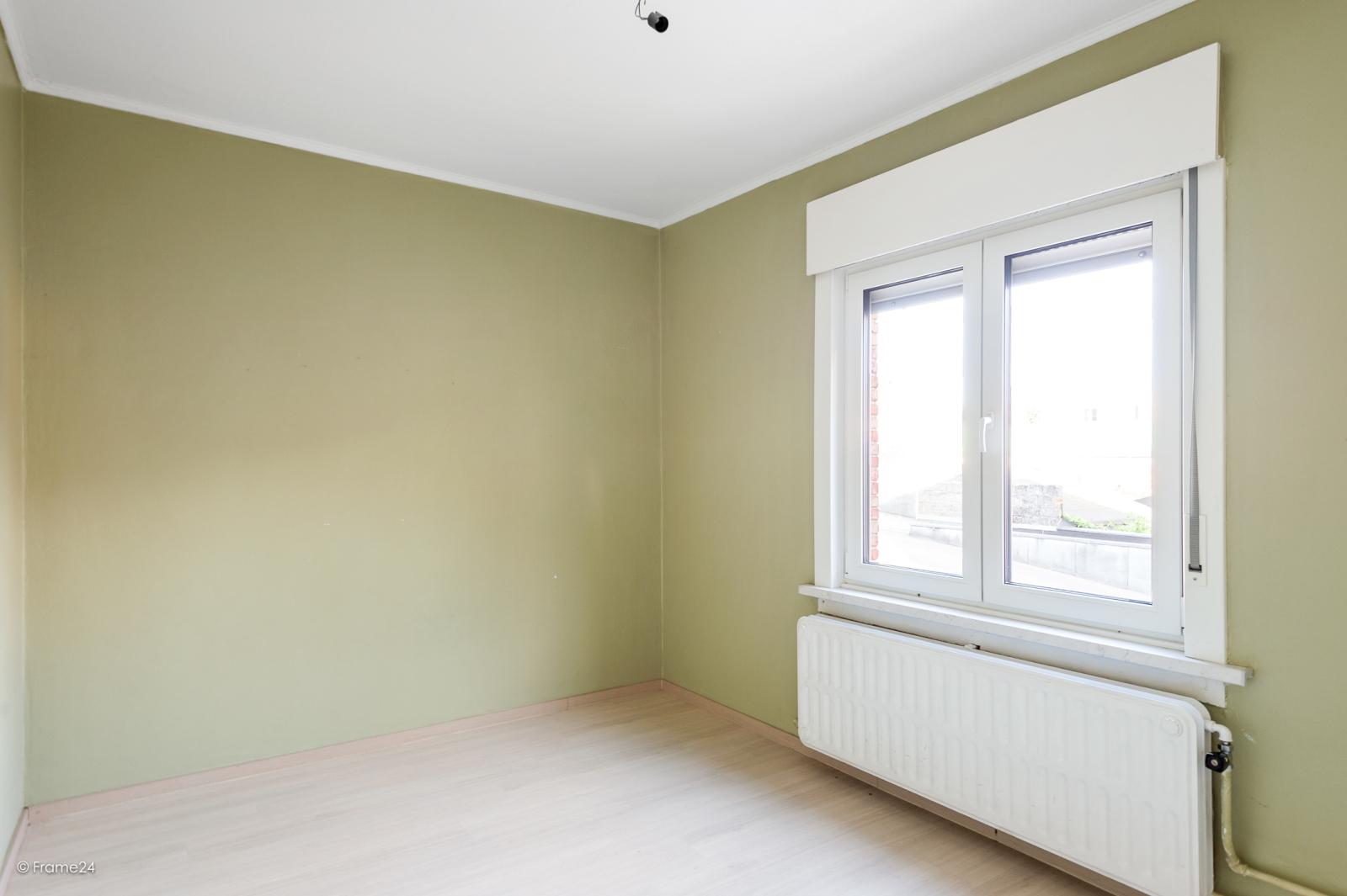 Te renoveren ééngezinswoning met 4 slaapkamers op centrale locatie te Wijnegem! afbeelding 12