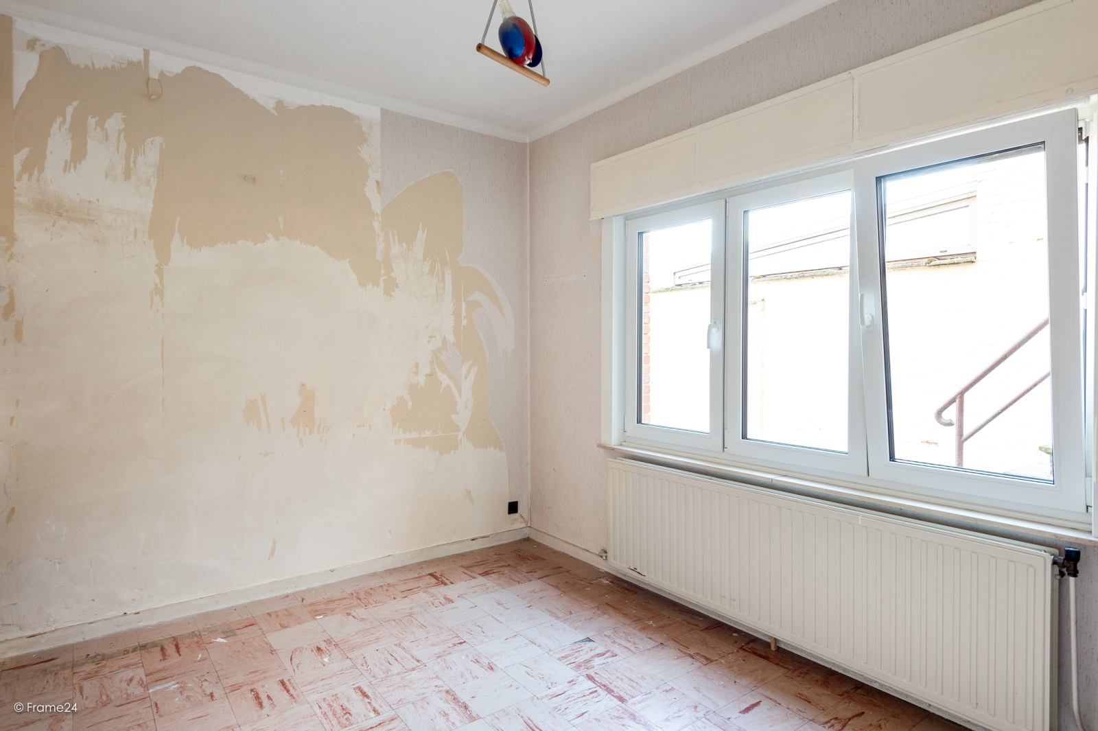 Te renoveren ééngezinswoning met 4 slaapkamers op centrale locatie te Wijnegem! afbeelding 8