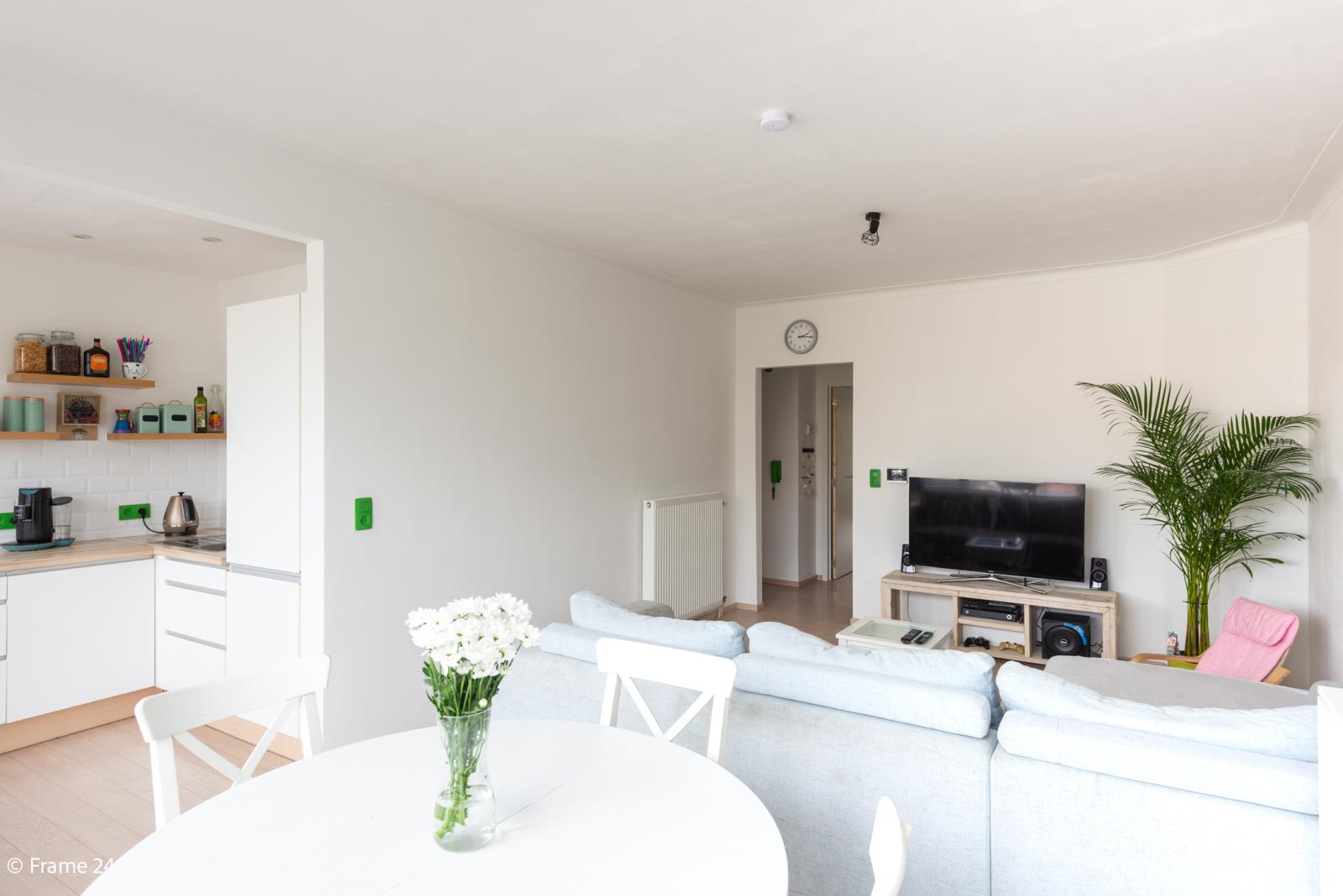 Mooi en gezellig appartement met twee doorlopende slaapkamers en terras te Borsbeek! afbeelding 2