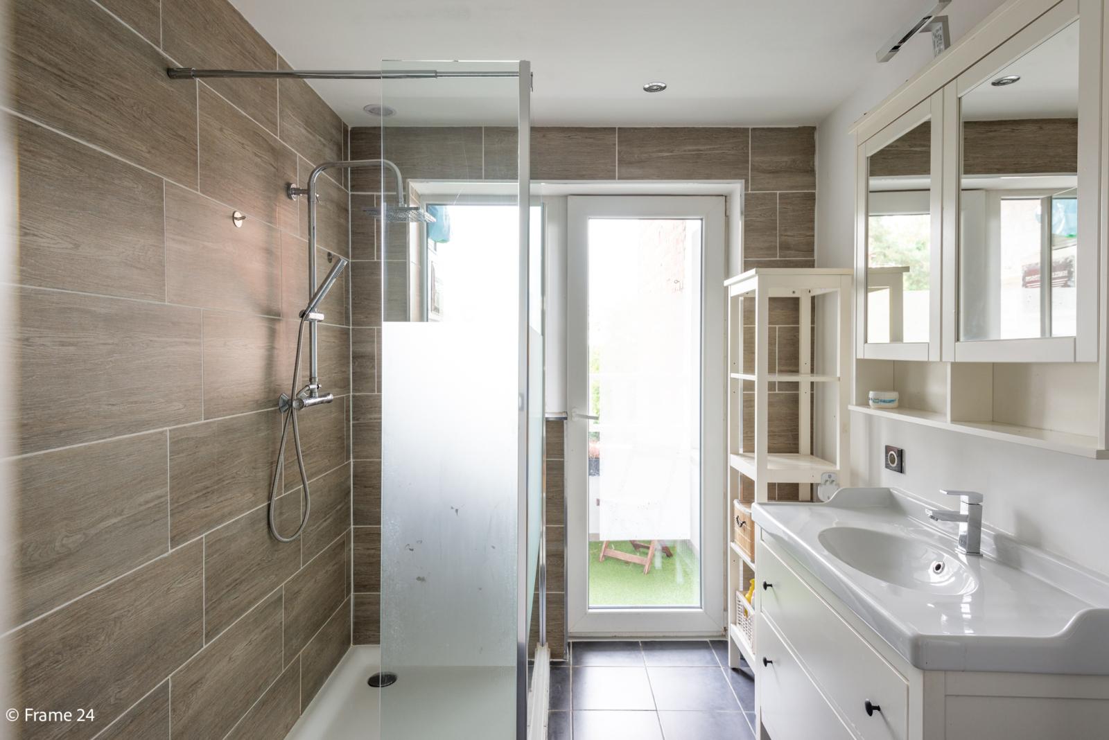 Mooi en gezellig appartement met twee doorlopende slaapkamers en terras te Borsbeek! afbeelding 11