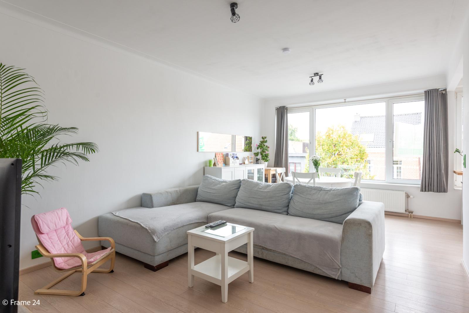 Mooi en gezellig appartement met twee doorlopende slaapkamers en terras te Borsbeek! afbeelding 1