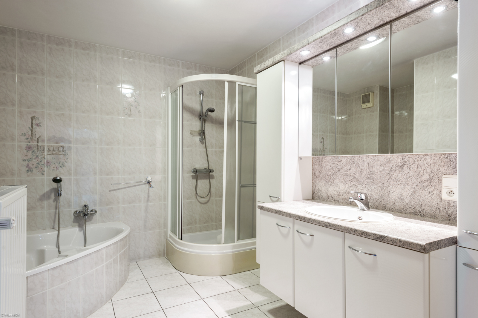 Zeer verzorgd en ruim gelijkvloers appartement (+/- 100m²) met tuin nabij het centrum van Schoten! afbeelding 8