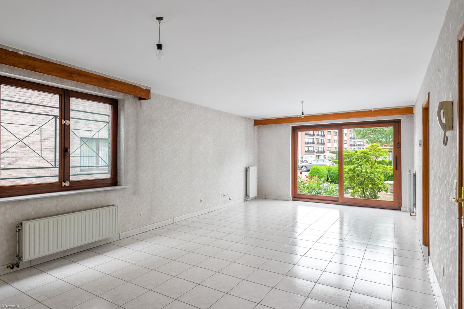 Zeer verzorgd en ruim gelijkvloers appartement (+/- 100m²) met tuin nabij het centrum van Schoten! afbeelding 3