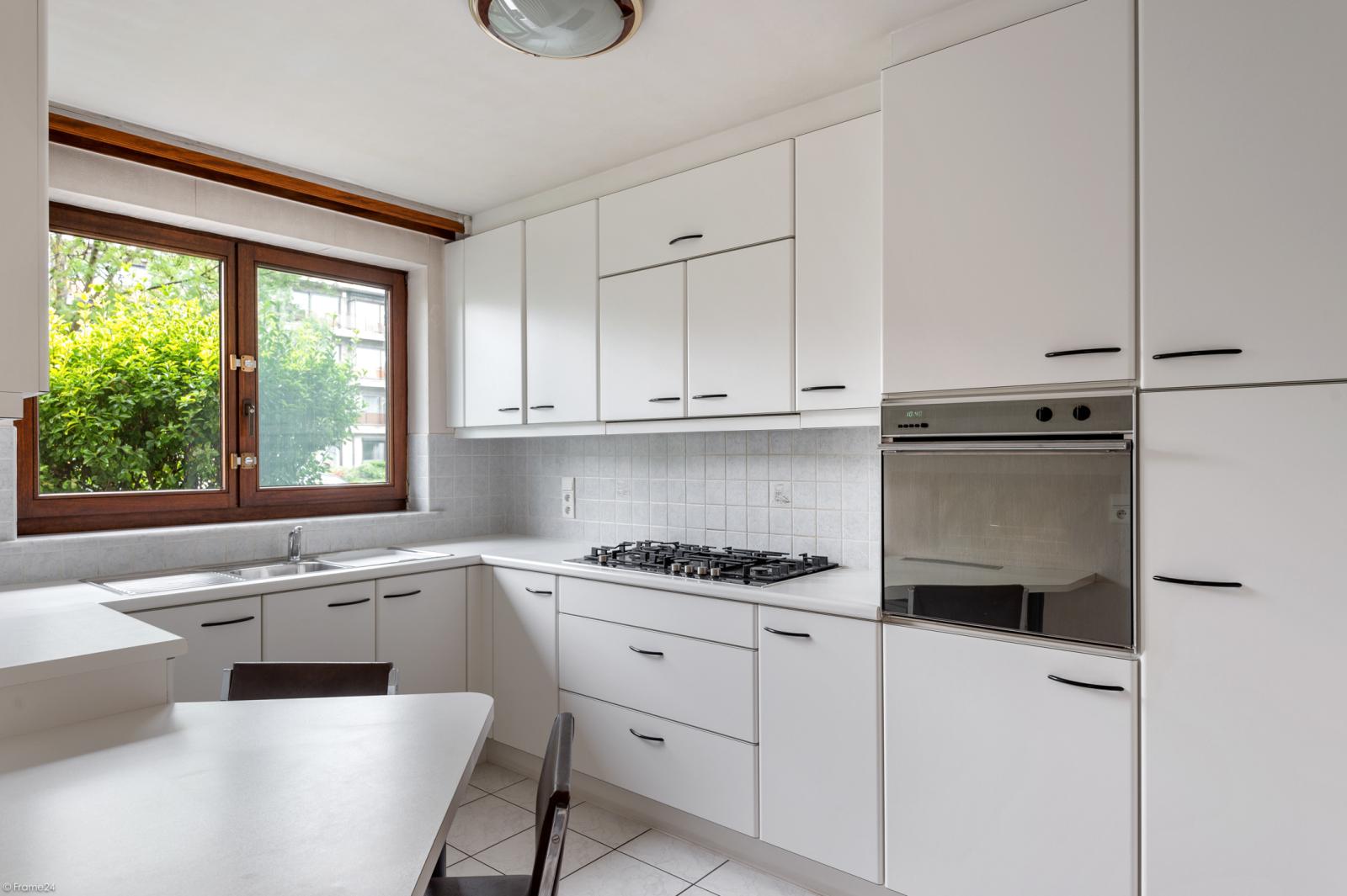 Zeer verzorgd en ruim gelijkvloers appartement (+/- 100m²) met tuin nabij het centrum van Schoten! afbeelding 6