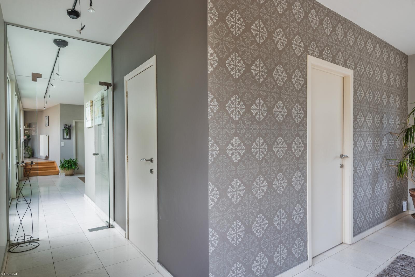Riant eigendom bestaande uit een handelsgelijkvloers en duplex-appartement op een zeer centrale locatie te Kapellen! afbeelding 10