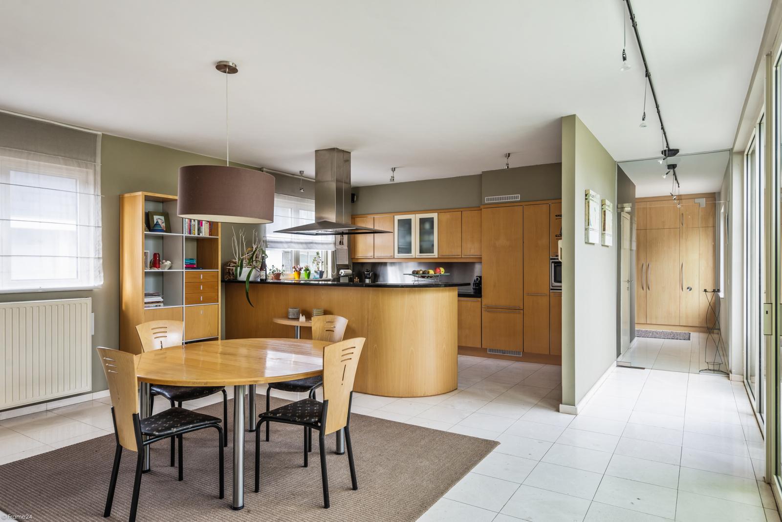 Riant eigendom bestaande uit een handelsgelijkvloers en duplex-appartement op een zeer centrale locatie te Kapellen! afbeelding 13