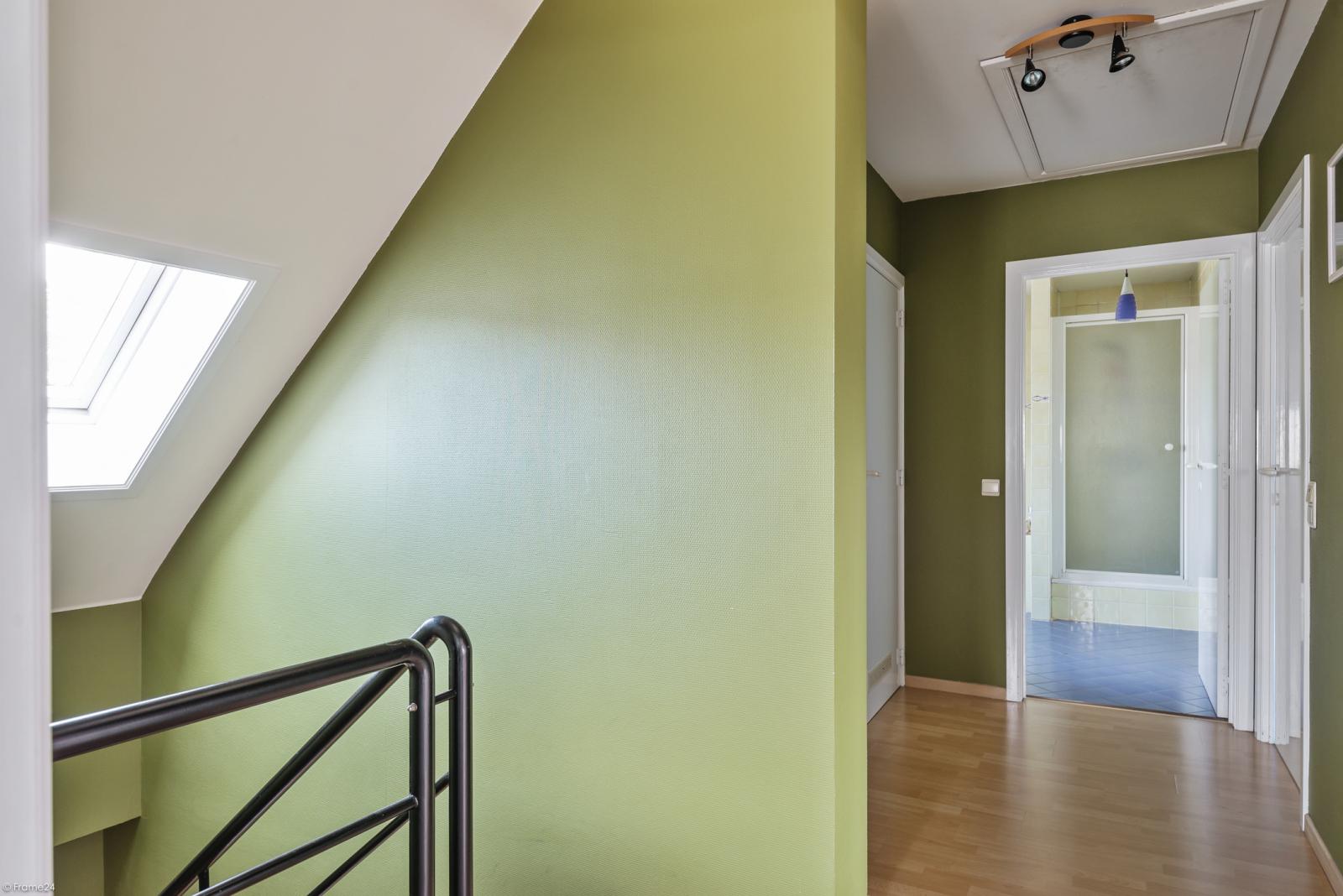 Riant eigendom bestaande uit een handelsgelijkvloers en duplex-appartement op een zeer centrale locatie te Kapellen! afbeelding 32