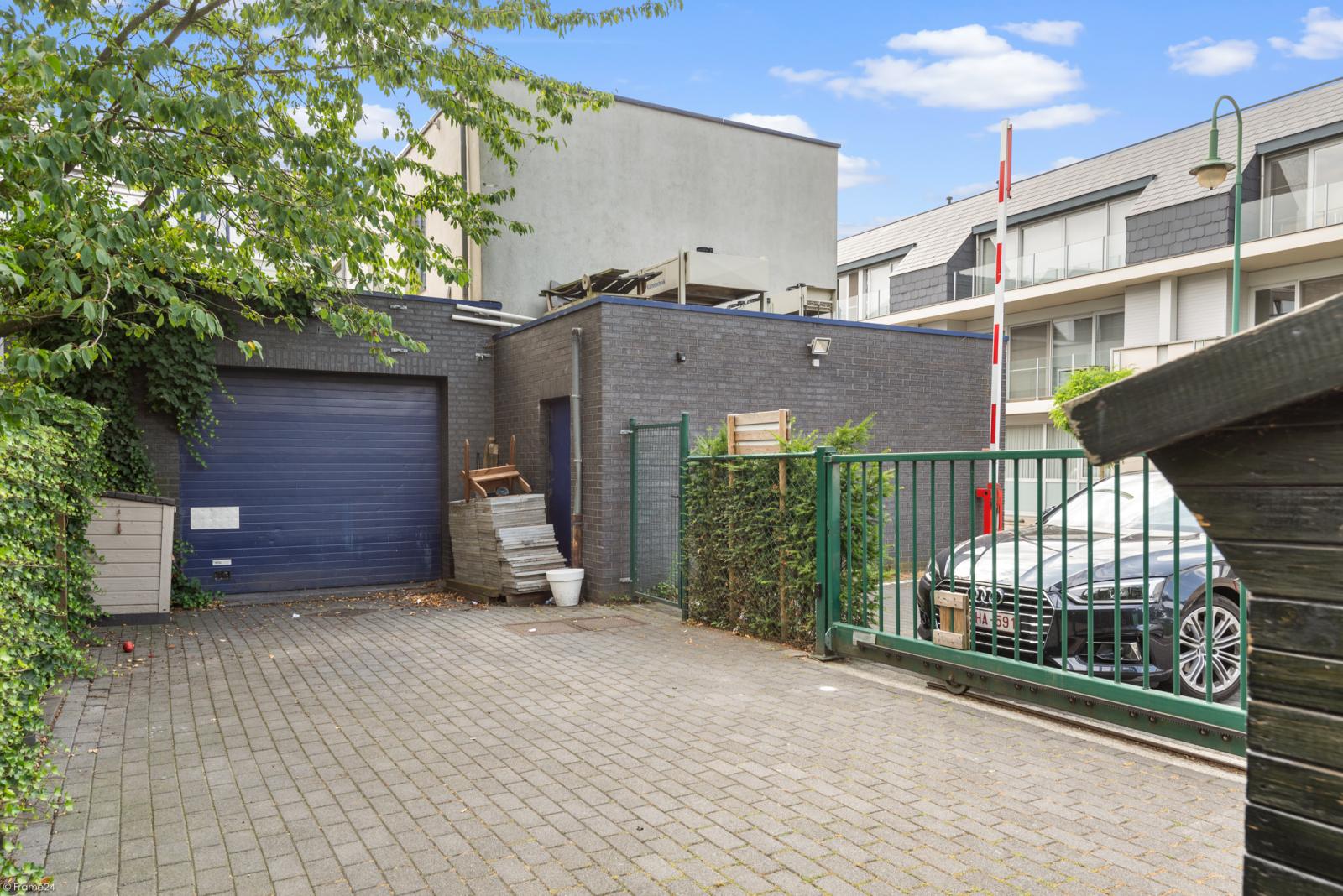 Riant eigendom bestaande uit een handelsgelijkvloers en duplex-appartement op een zeer centrale locatie te Kapellen! afbeelding 8