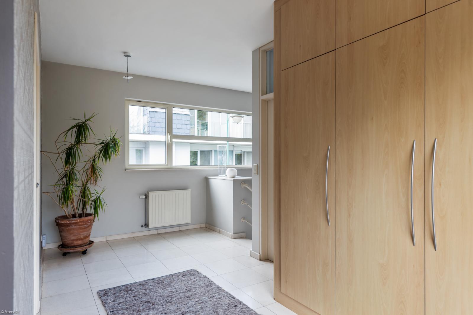 Riant eigendom bestaande uit een handelsgelijkvloers en duplex-appartement op een zeer centrale locatie te Kapellen! afbeelding 11