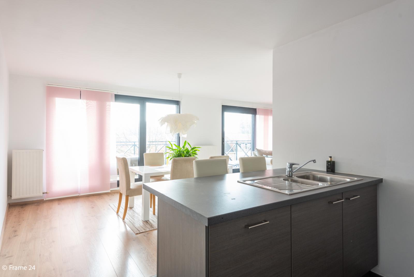 Nieuw appartement met twee slaapkamers en twee terrassen op centrale locatie te Schoten! afbeelding 7