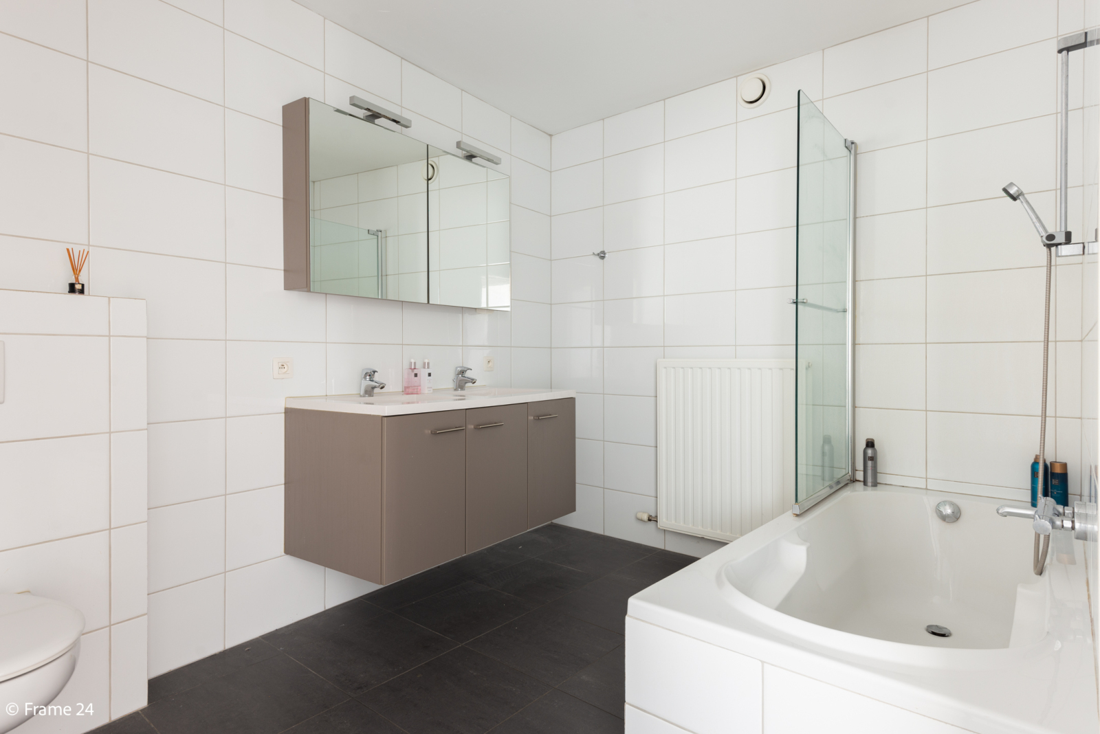Nieuw appartement met twee slaapkamers en twee terrassen op centrale locatie te Schoten! afbeelding 15