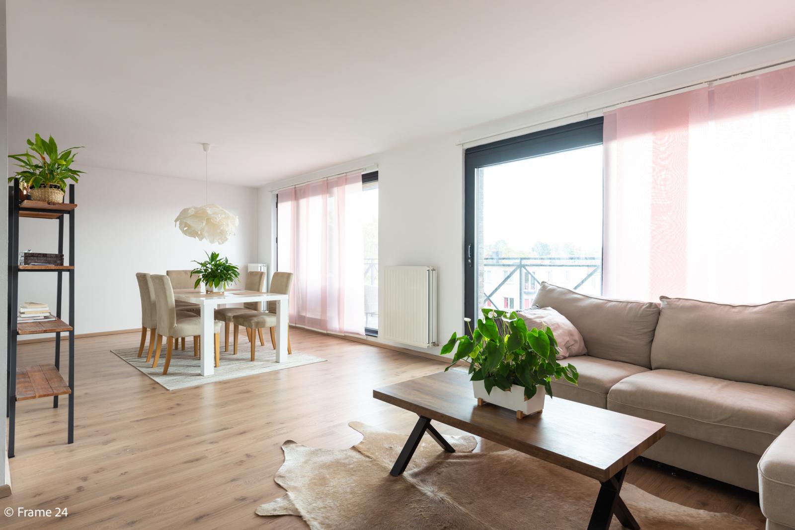 Nieuw appartement met twee slaapkamers en twee terrassen op centrale locatie te Schoten! afbeelding 3