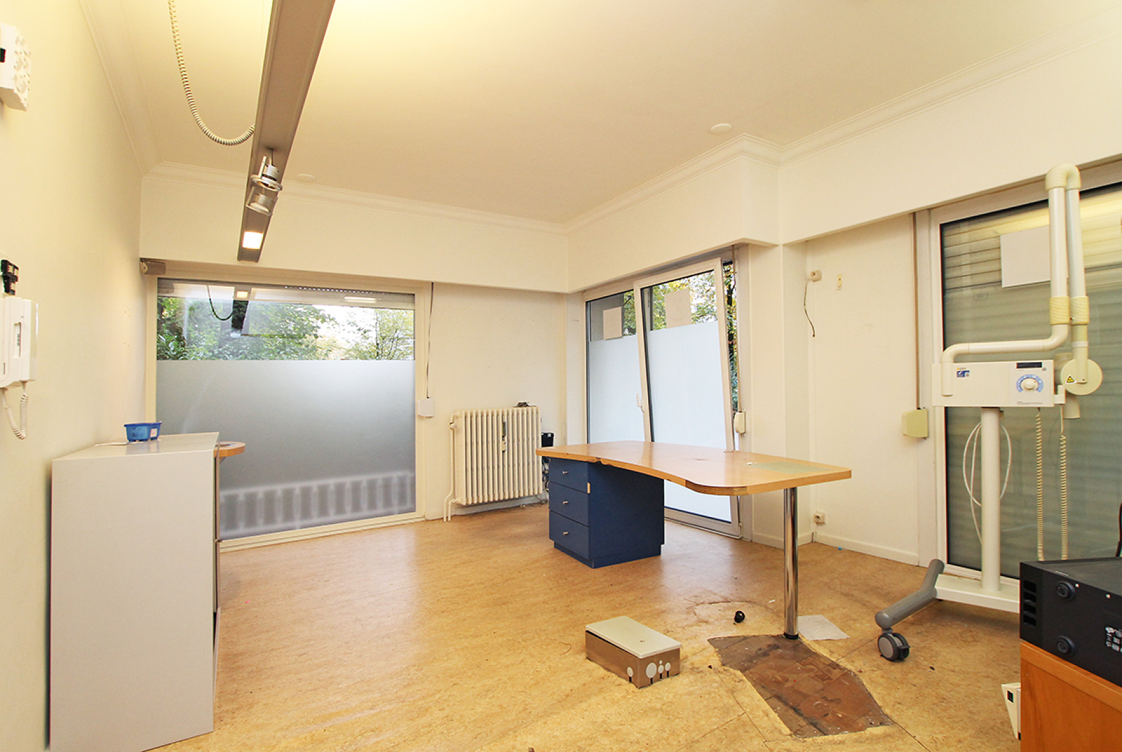 Kantoorruimte op het gelijkvloers (80 m²) aan het Harmoniepark te Antwerpen! afbeelding 2