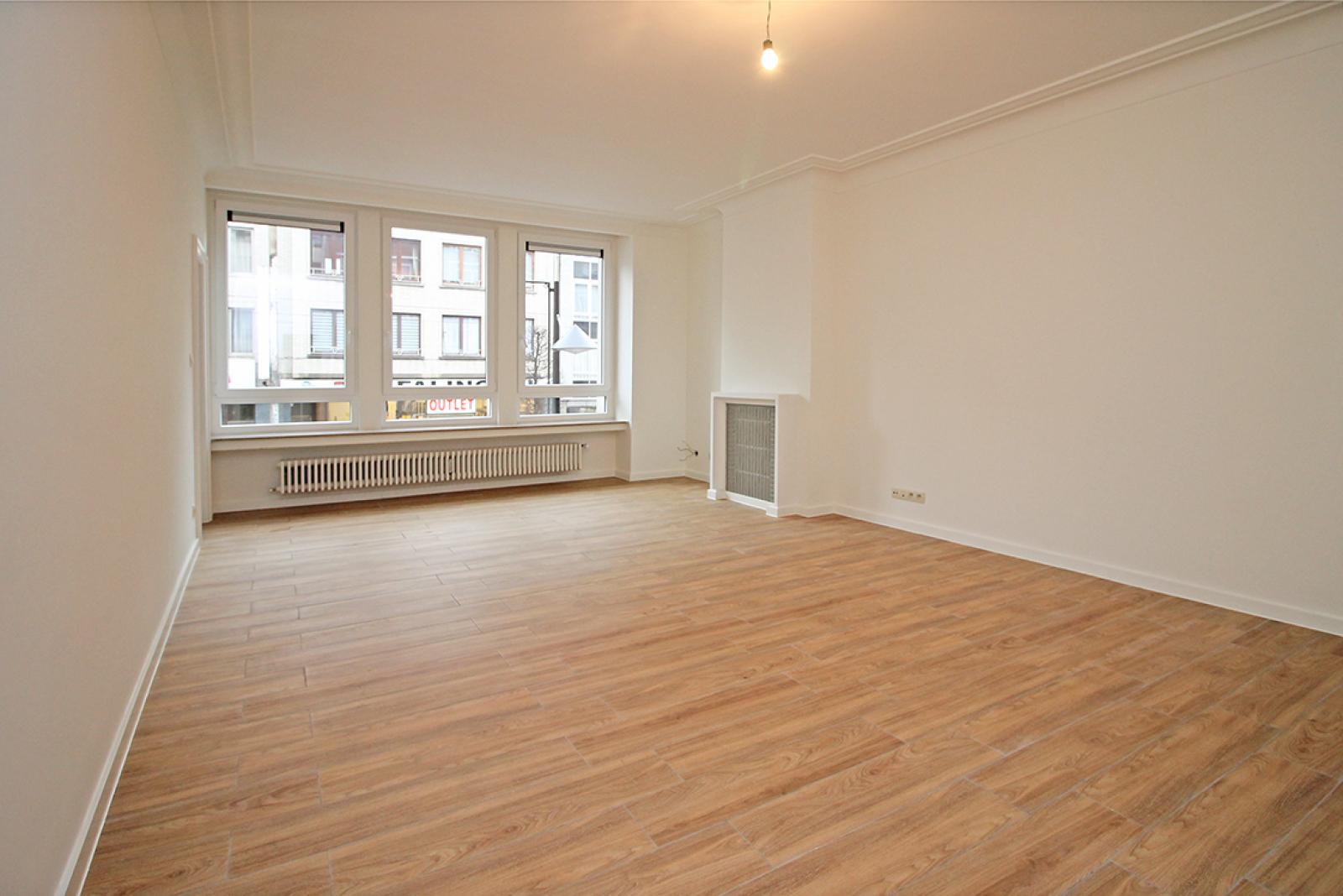 Mooi gerenoveerd appartement met 2 slaapkamers en terras afbeelding 1