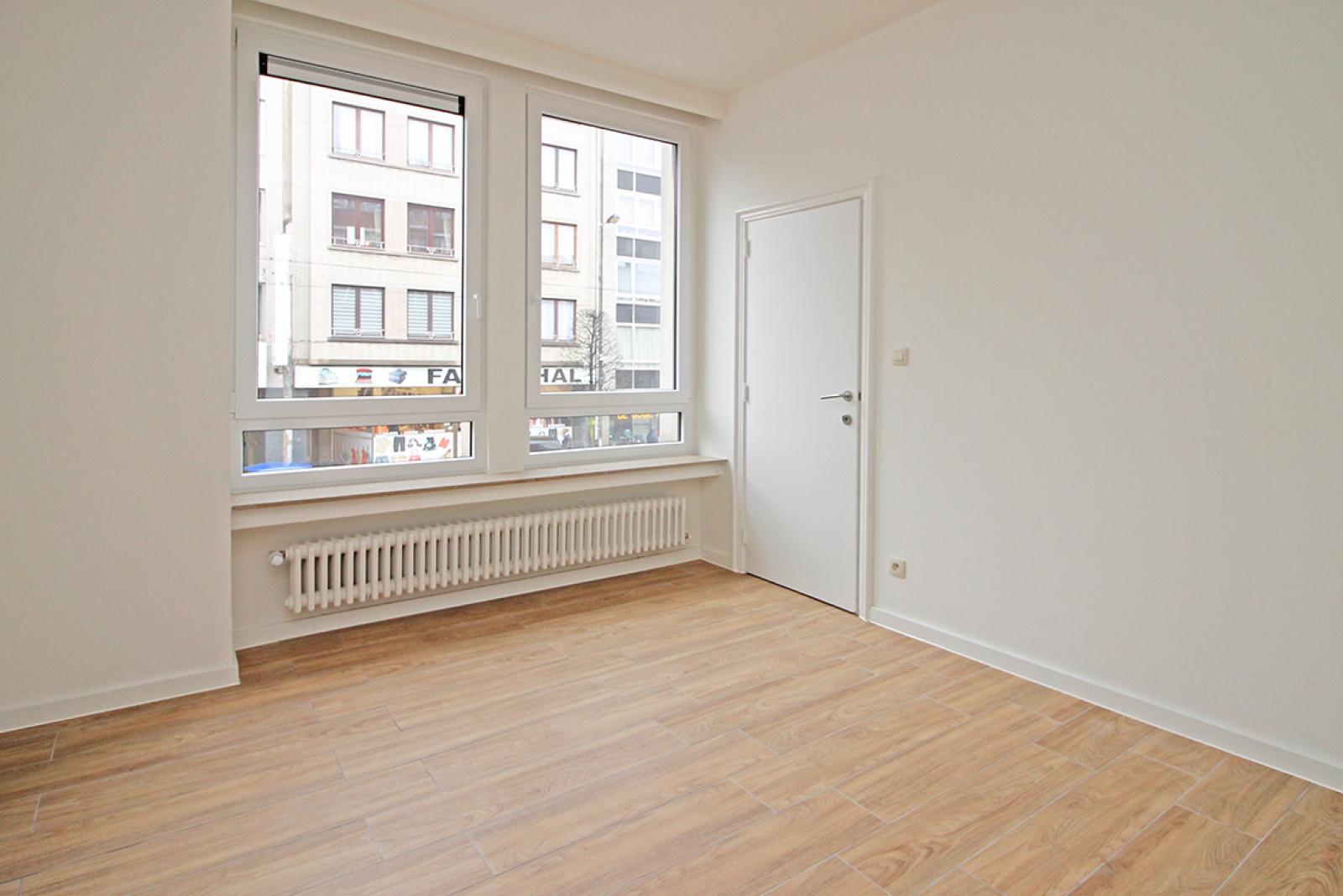 Mooi gerenoveerd appartement met 2 slaapkamers en terras afbeelding 5