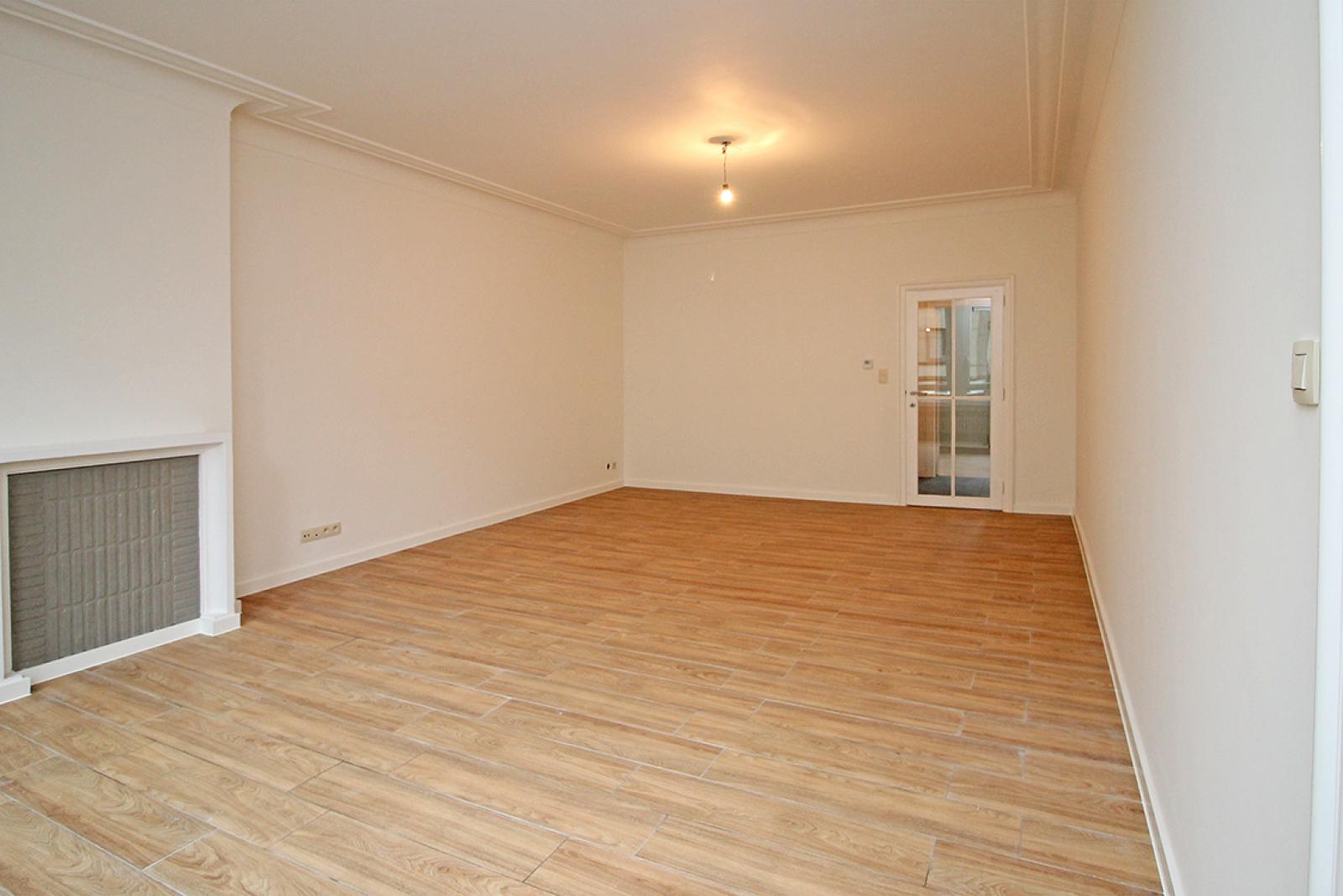 Mooi gerenoveerd appartement met 2 slaapkamers en terras afbeelding 3