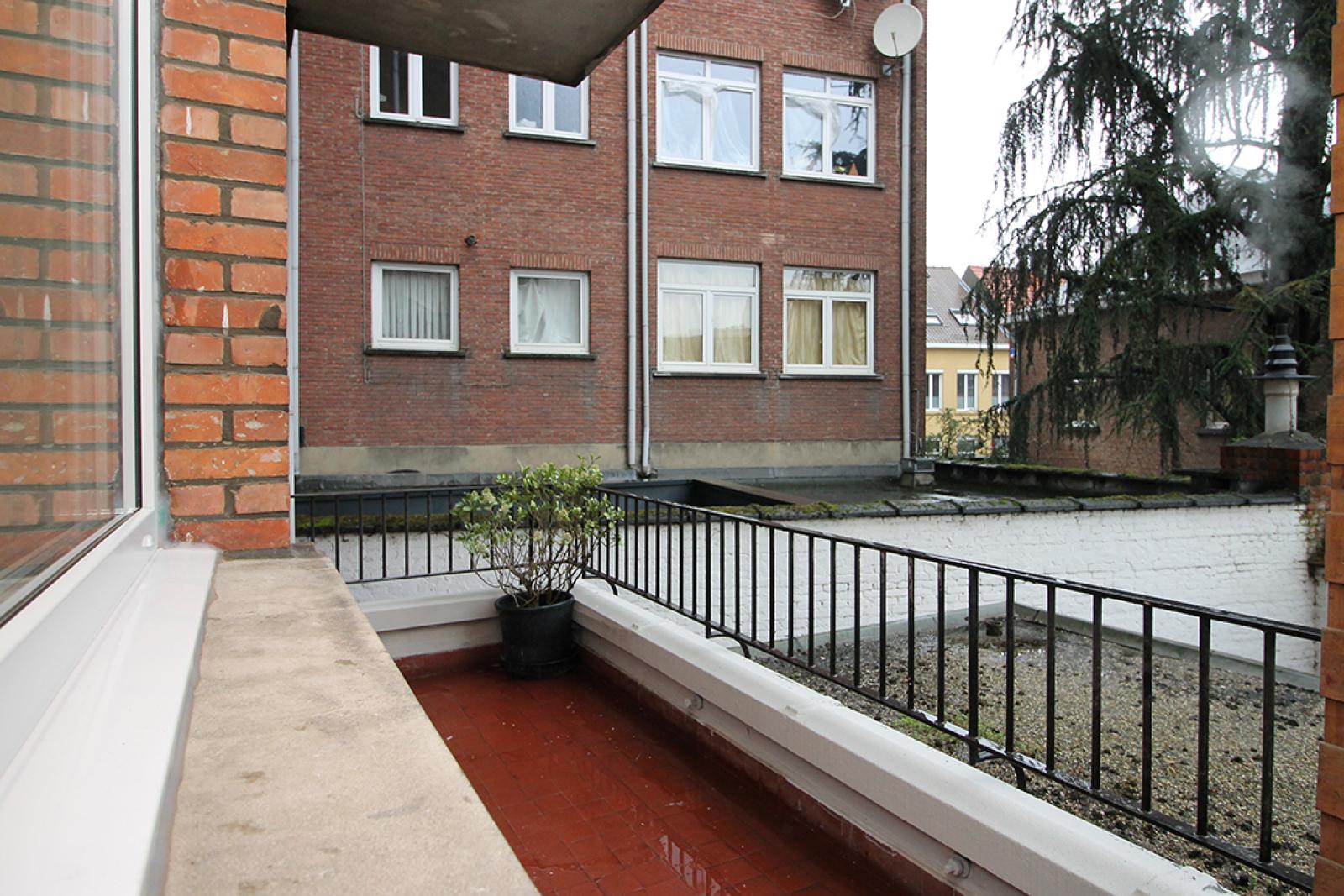 Mooi gerenoveerd appartement met 2 slaapkamers en terras afbeelding 7