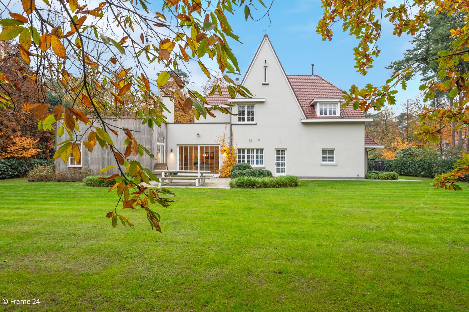 Luxueuze en lichtrijke villa op uitstekende locatie afbeelding 32