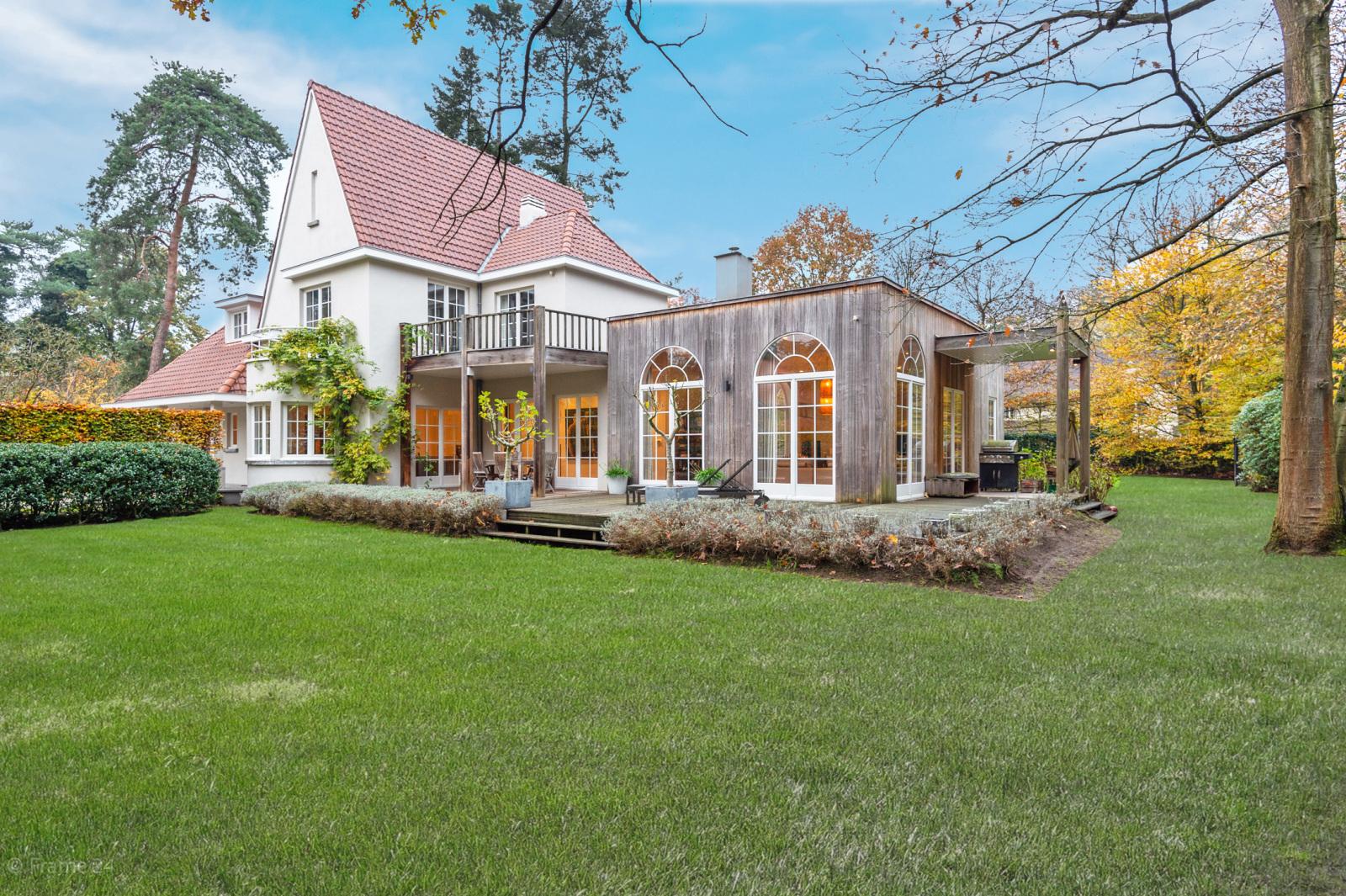 Luxueuze en lichtrijke villa op uitstekende locatie afbeelding 2