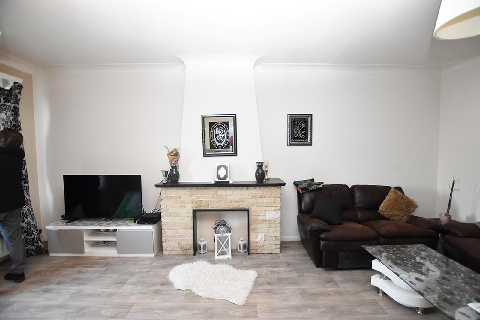 Verzorgd appartement met twee slaapkamers en terras te Wilrijk! afbeelding 3