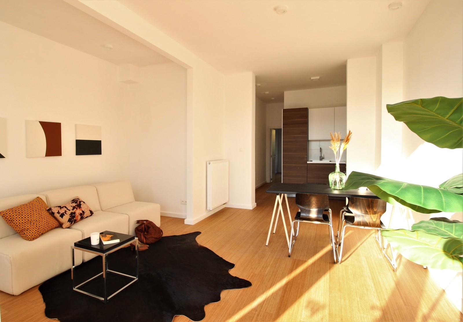Gerenoveerd appartement met één slaapkamer op centrale ligging te Mortsel! afbeelding 1
