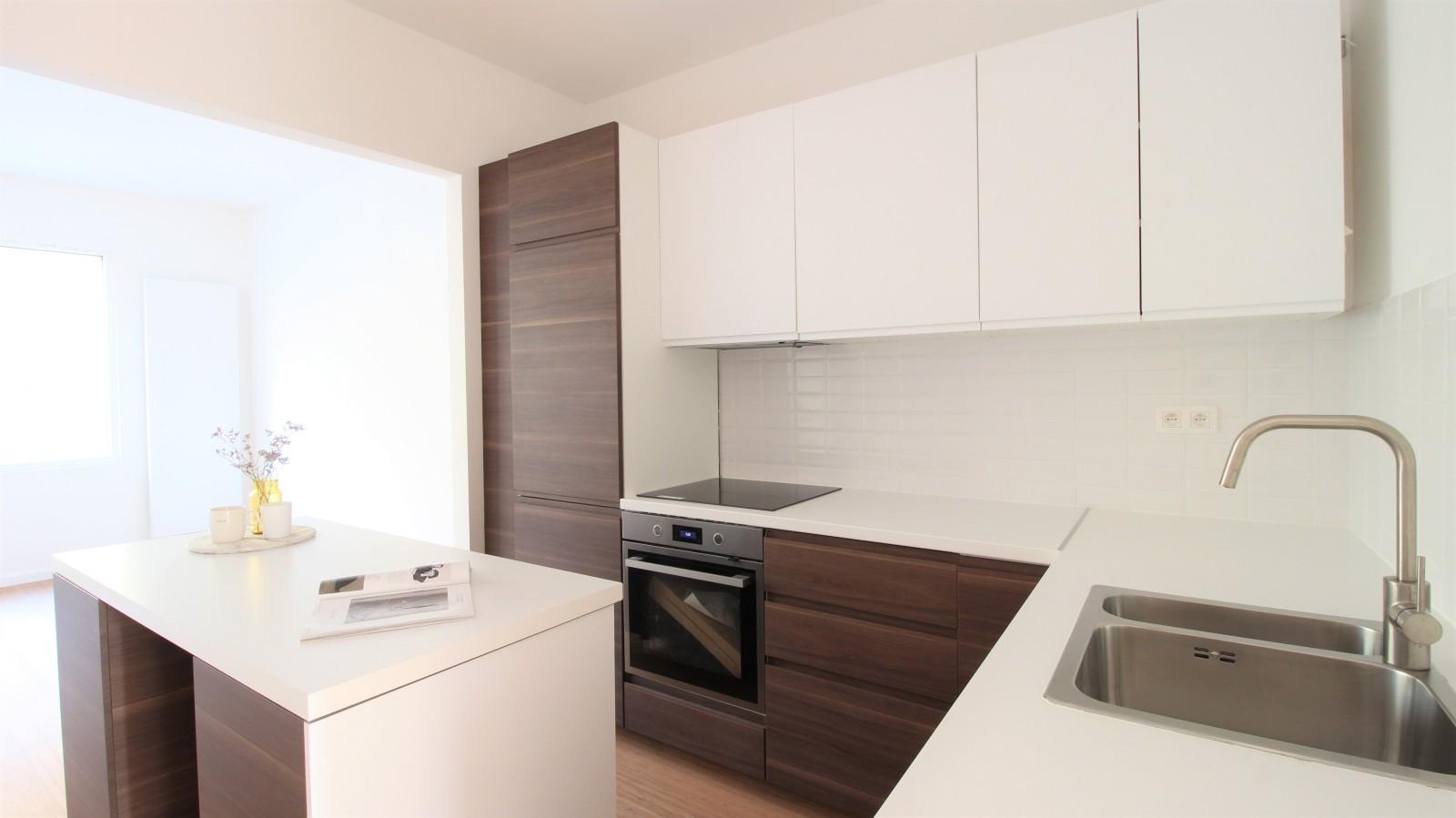Gerenoveerd appartement met twee slaapkamers op centrale ligging te Mortsel! afbeelding 3