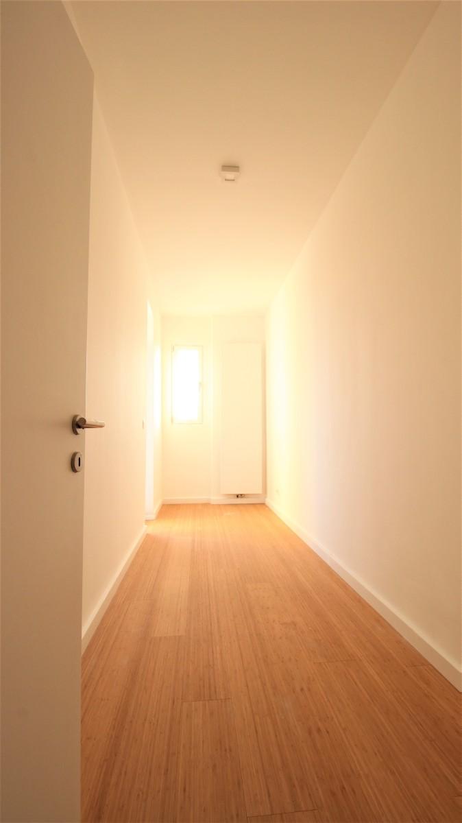Gerenoveerd appartement met twee slaapkamers op centrale ligging te Mortsel! afbeelding 7