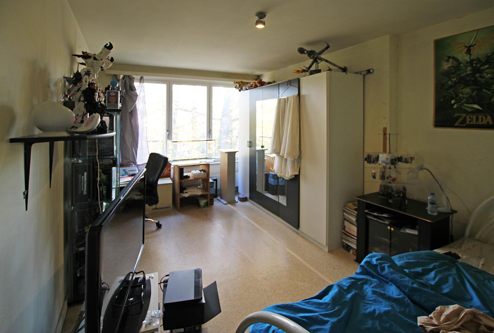 Ruim te renoveren appartement met staanplaats op zeer gunstige locatie te Kapellen afbeelding 8
