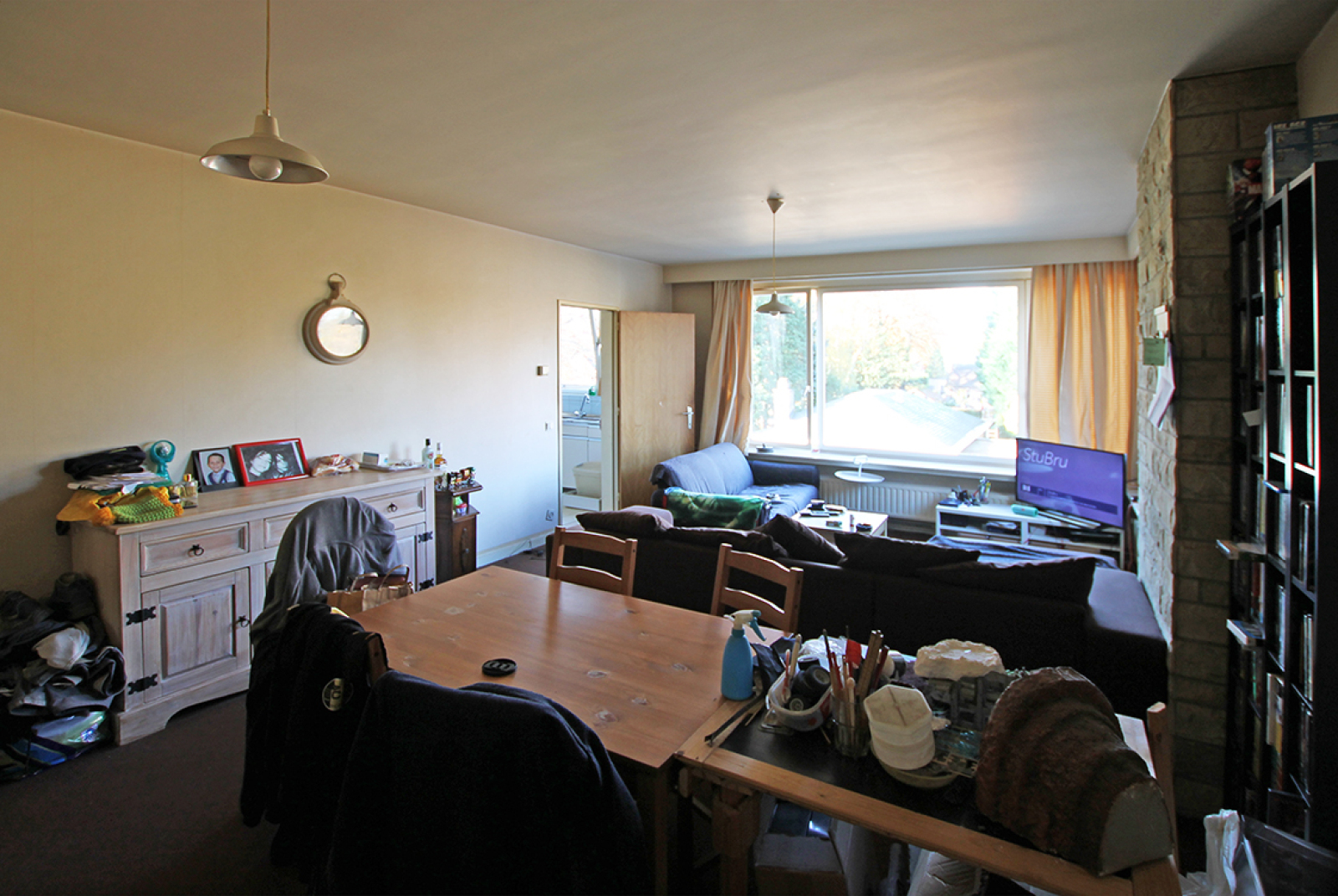 Ruim te renoveren appartement met staanplaats op zeer gunstige locatie te Kapellen afbeelding 3