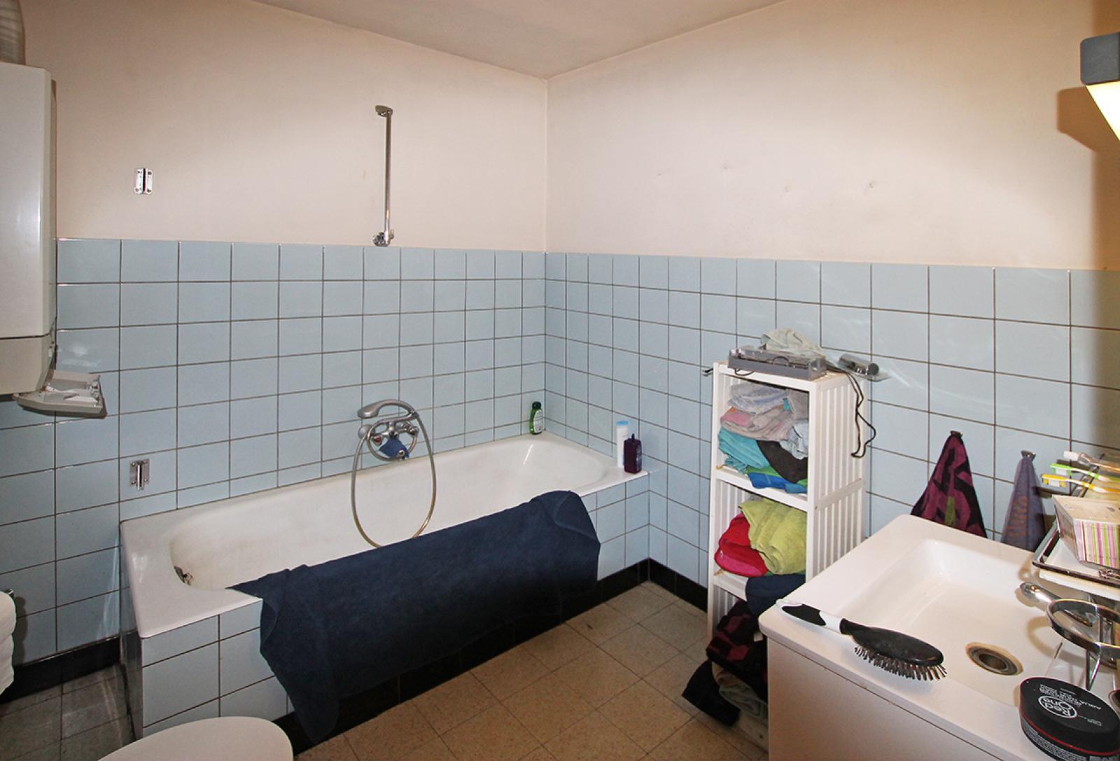 Ruim te renoveren appartement met staanplaats op zeer gunstige locatie te Kapellen afbeelding 10