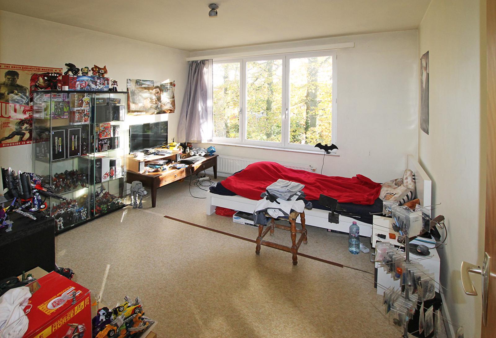Ruim te renoveren appartement met staanplaats op zeer gunstige locatie te Kapellen afbeelding 9