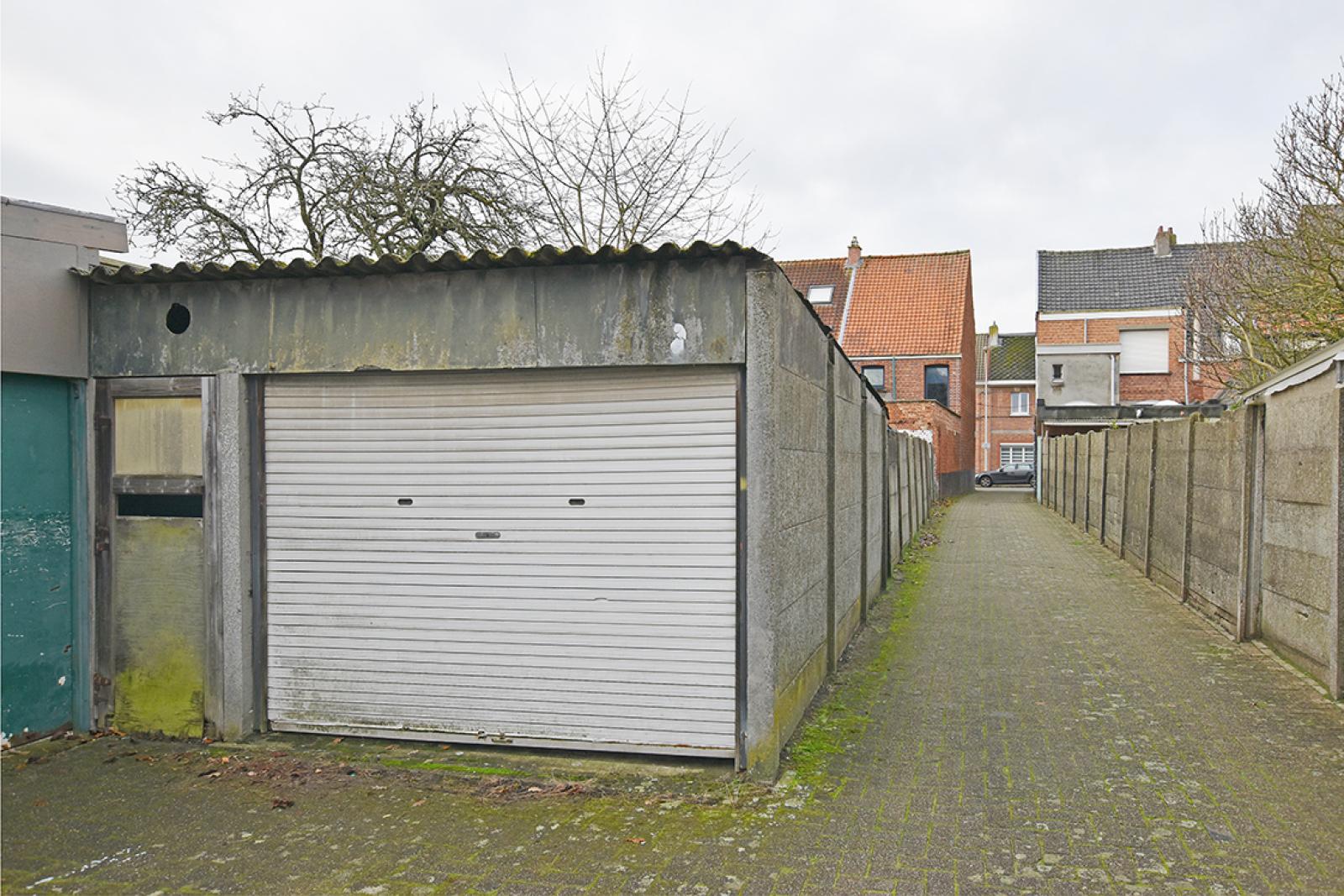 Te renoveren woning met twee slaapkamers in centrum Wijnegem! afbeelding 13