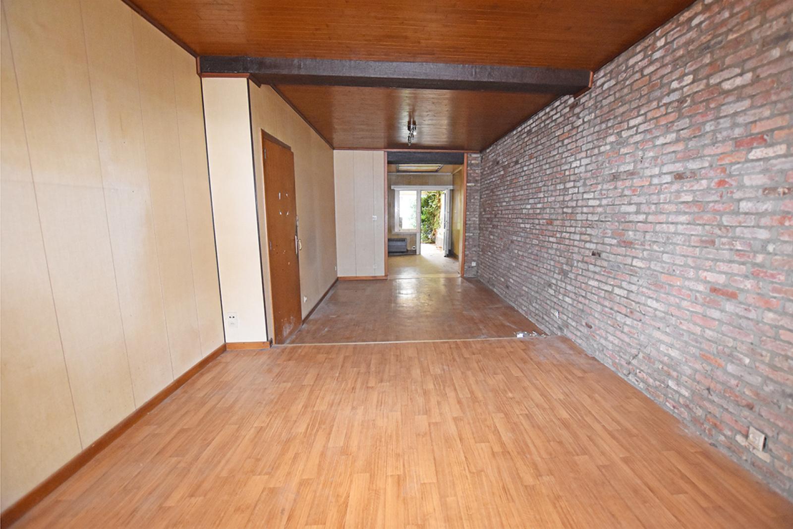 Te renoveren woning met twee slaapkamers in centrum Wijnegem! afbeelding 3