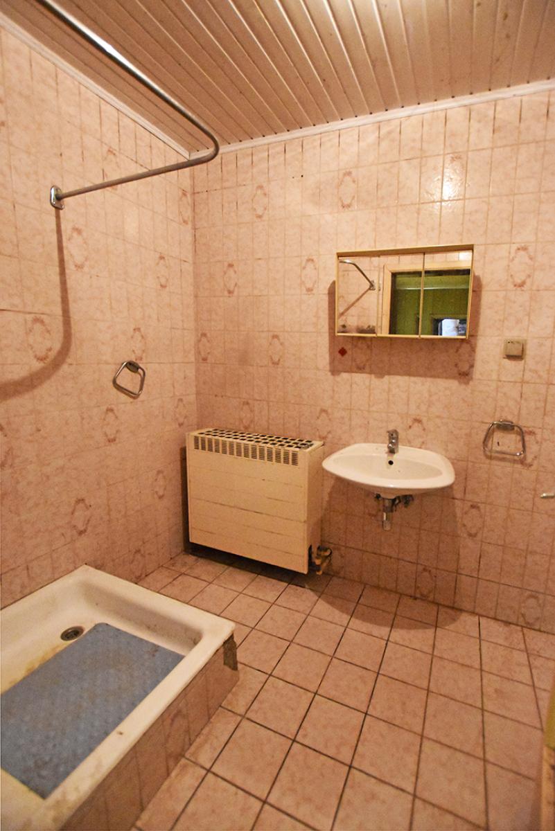 Te renoveren woning met twee slaapkamers in centrum Wijnegem! afbeelding 6