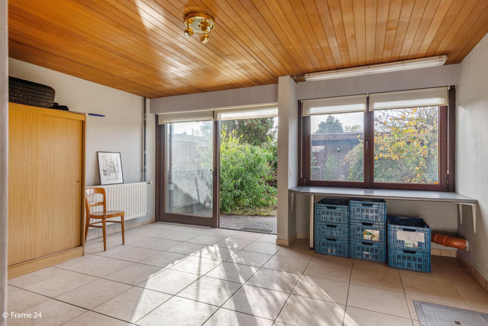 Verzorgde bel-étage met 3 slaapkamers, tuin en garage nabij centrum Wijnegem gelegen. afbeelding 19