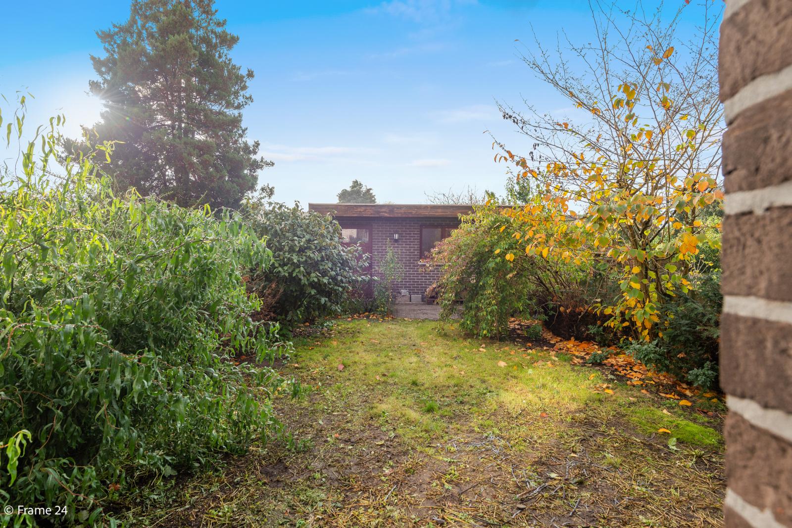 Verzorgde bel-étage met 3 slaapkamers, tuin en garage nabij centrum Wijnegem gelegen. afbeelding 21