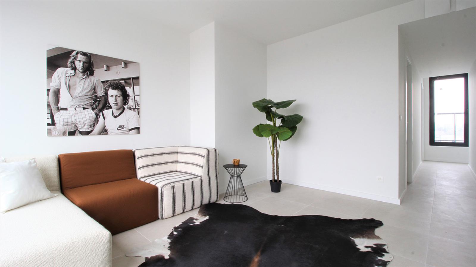 Prachtige penthouse met maar liefst 2 ruime terrasssen op centrale locatie vlakbij het Rivierenhof. afbeelding 3