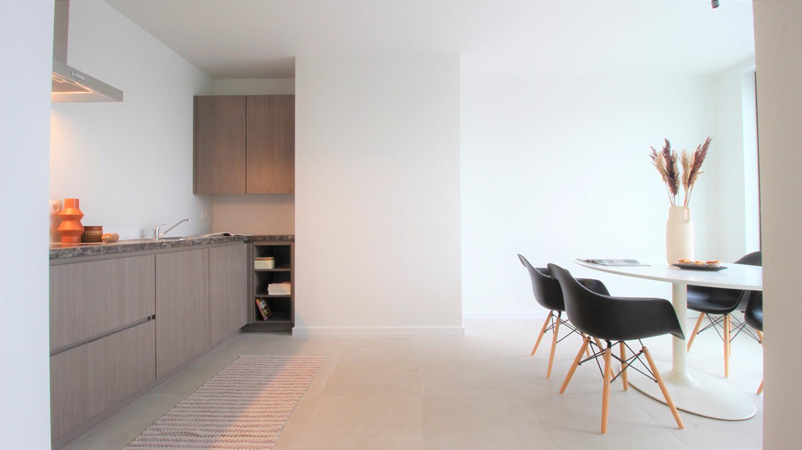 Prachtige penthouse met maar liefst 2 ruime terrasssen op centrale locatie vlakbij het Rivierenhof. afbeelding 5