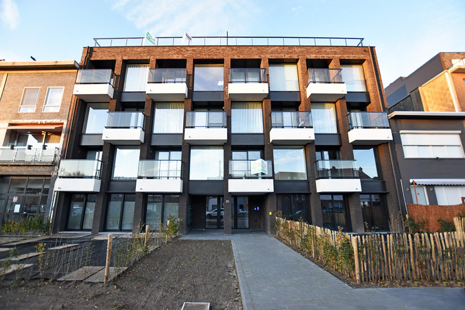 Prachtige penthouse met maar liefst 2 ruime terrasssen op centrale locatie vlakbij het Rivierenhof. afbeelding 16
