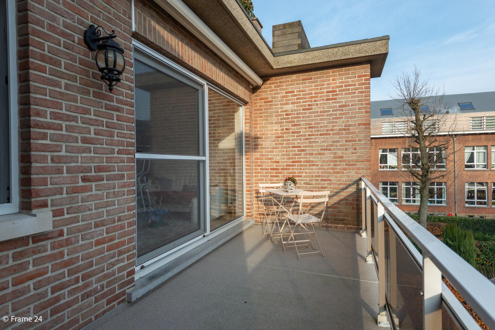 Knus appartement met één slaapkamer, terras en garagebox te Merksem! afbeelding 13