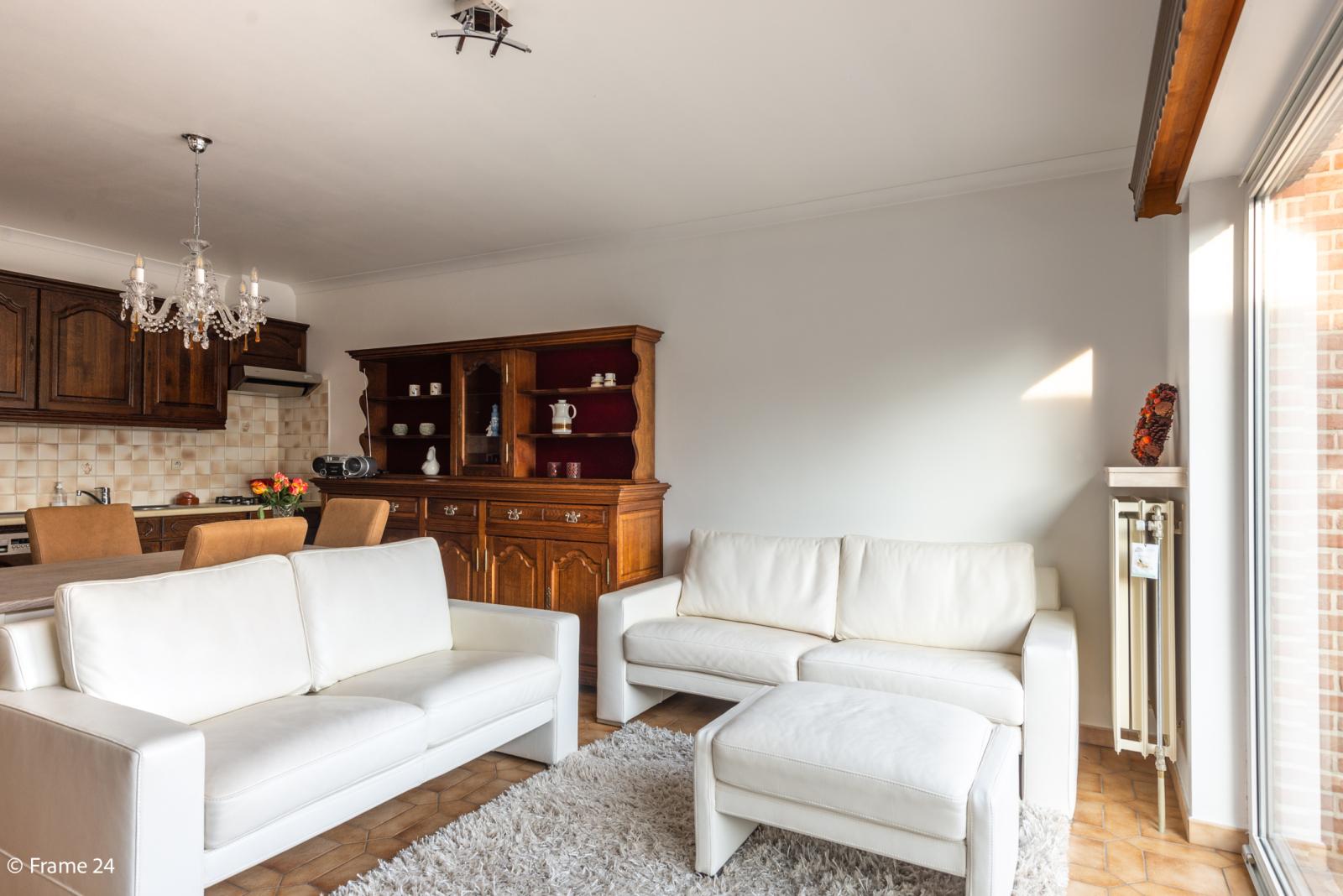 Knus appartement met één slaapkamer, terras en garagebox te Merksem! afbeelding 2