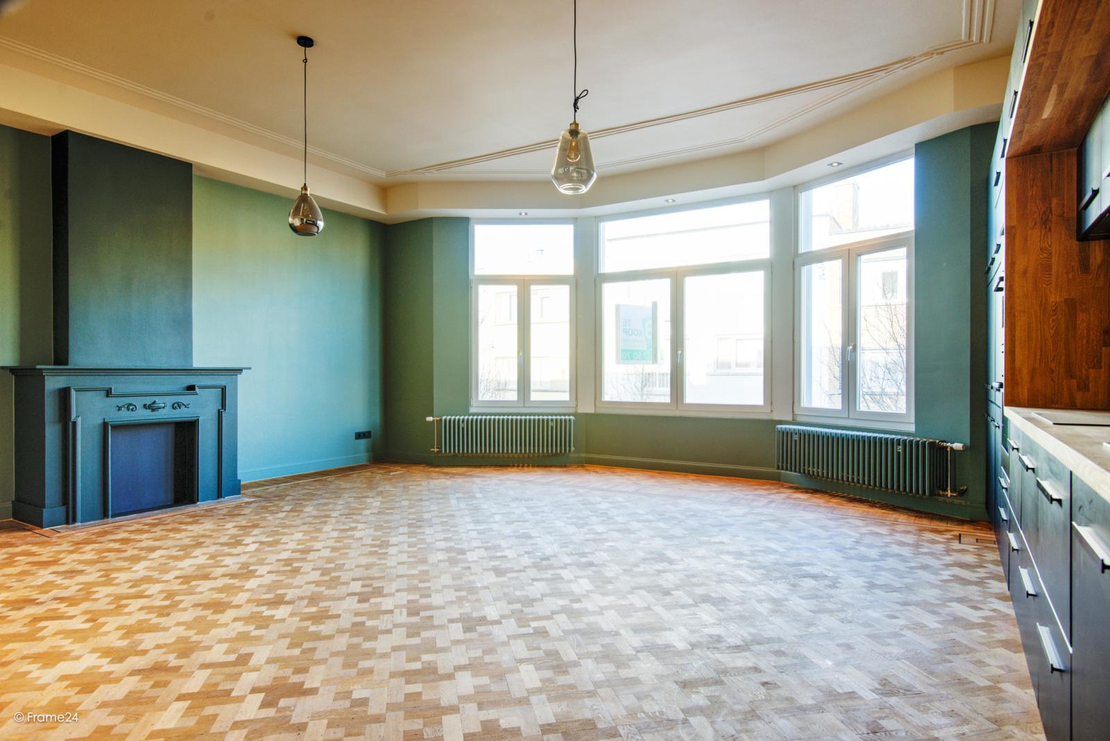 Prachtig gerenoveerd appartement (110 m²) met authentieke accenten en garage  te Antwerpen! afbeelding 5