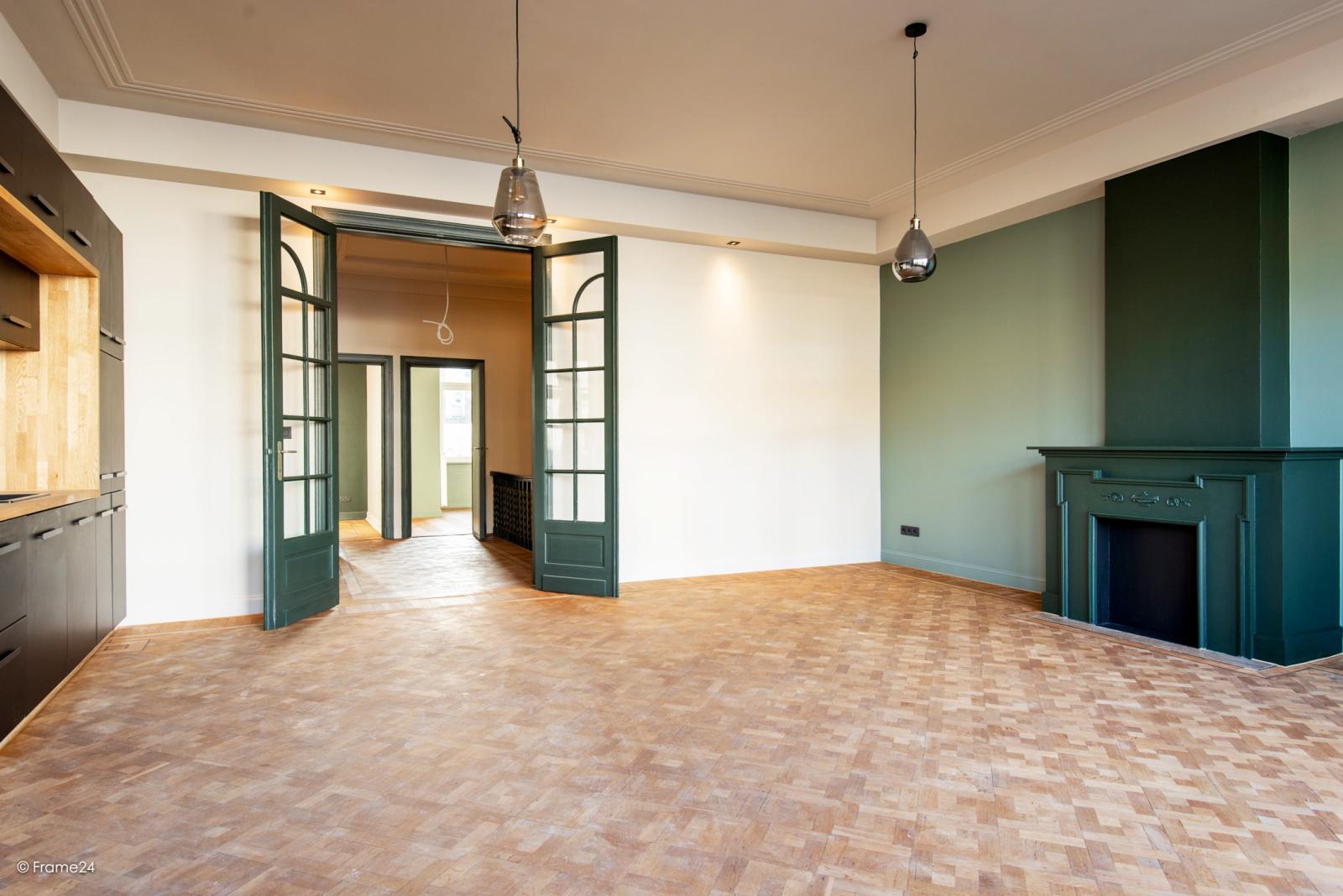 Prachtig gerenoveerd appartement (110 m²) met authentieke accenten en garage  te Antwerpen! afbeelding 6