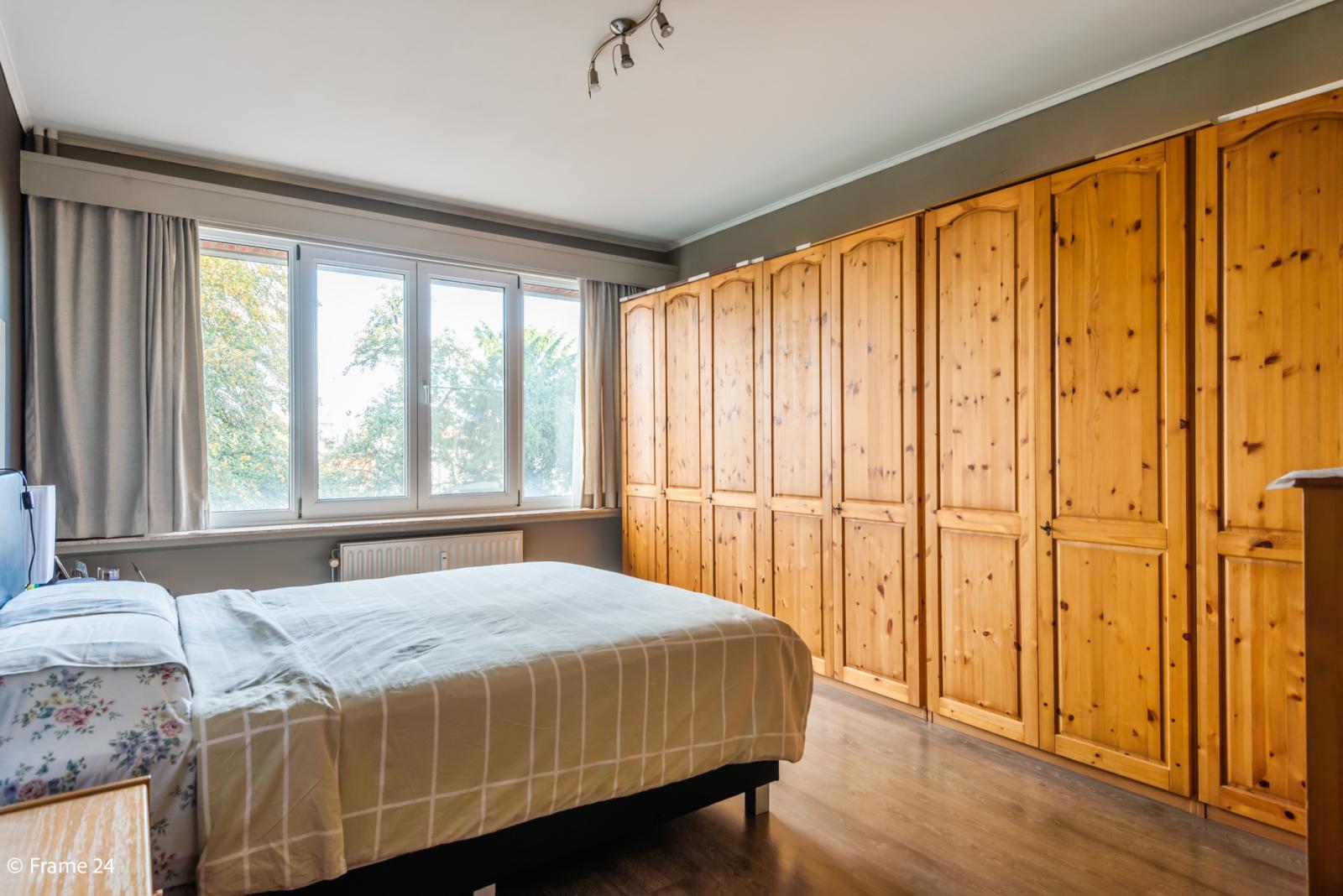 Zeer verzorgd en ruim appartement (101 m²) met lift op centrale locatie te Borgerhout! afbeelding 11