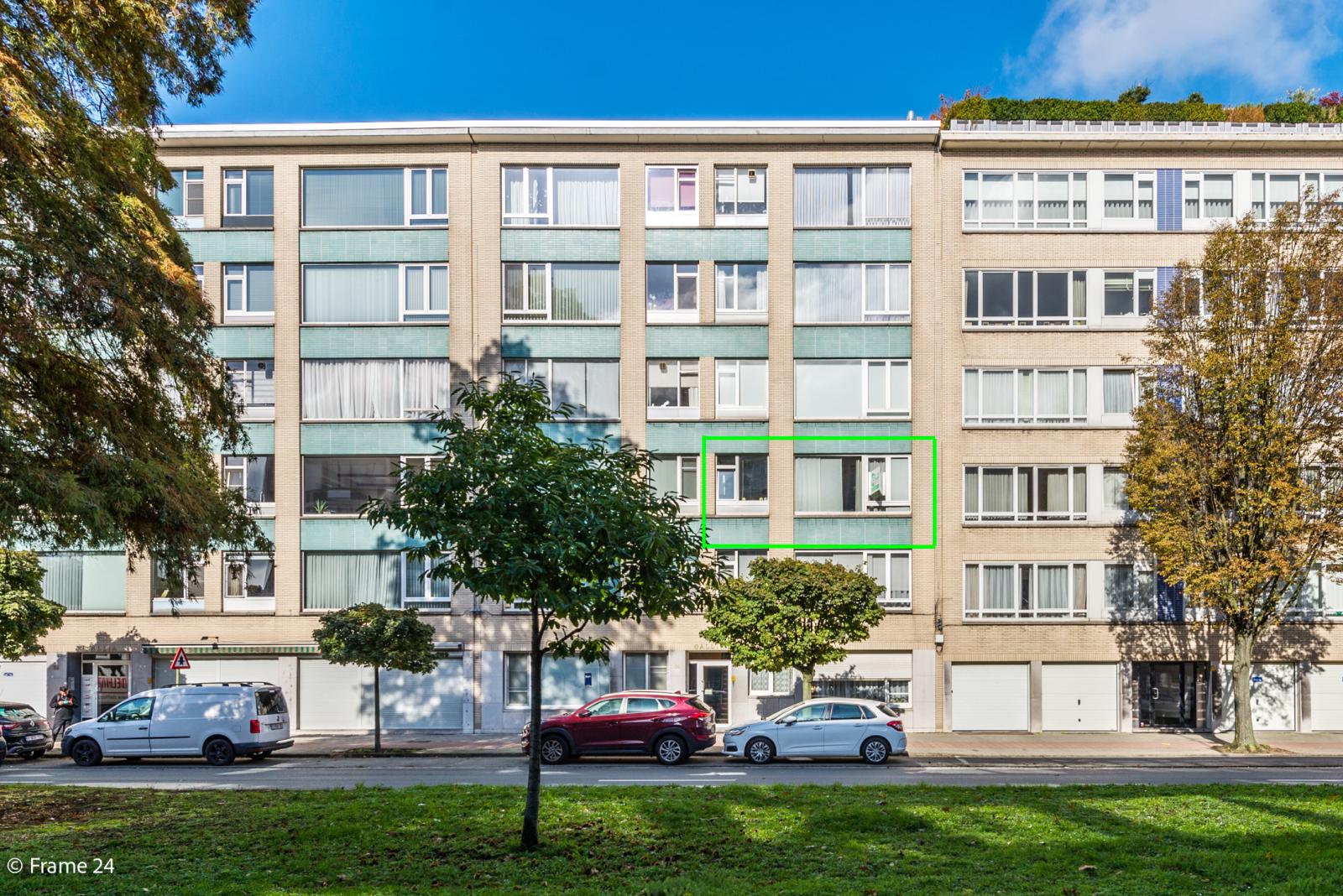 Zeer verzorgd en ruim appartement (101 m²) met lift op centrale locatie te Borgerhout! afbeelding 1